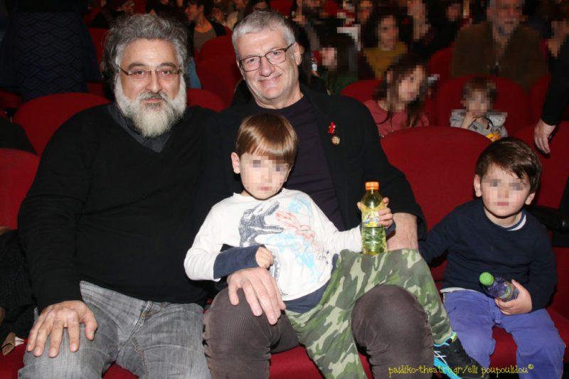 Γιάννης Αναστασάκης (Καλλιτεχνικός Διευθυντής ΚΘΒΕ) με τον καλλιτεχνικό διευθυντή του Φεστιβάλ Αθηνών,Βαγγέλη Θεοδωρόπουλο και τα εγγόνια του