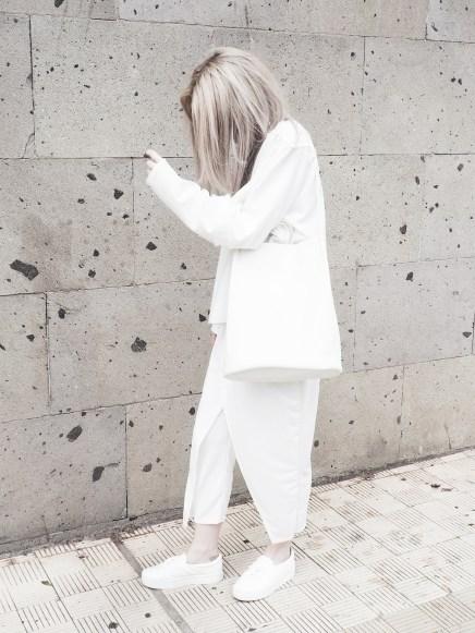 minimal-white-monochrome-fashion