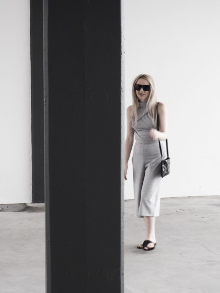 uk-fashion-blogger-monochrome-paigellldenny