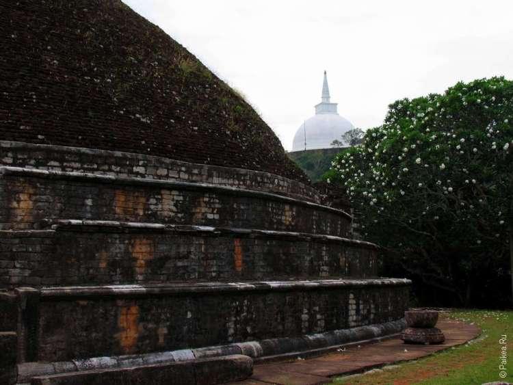 Михинтале Шри-Ланка
