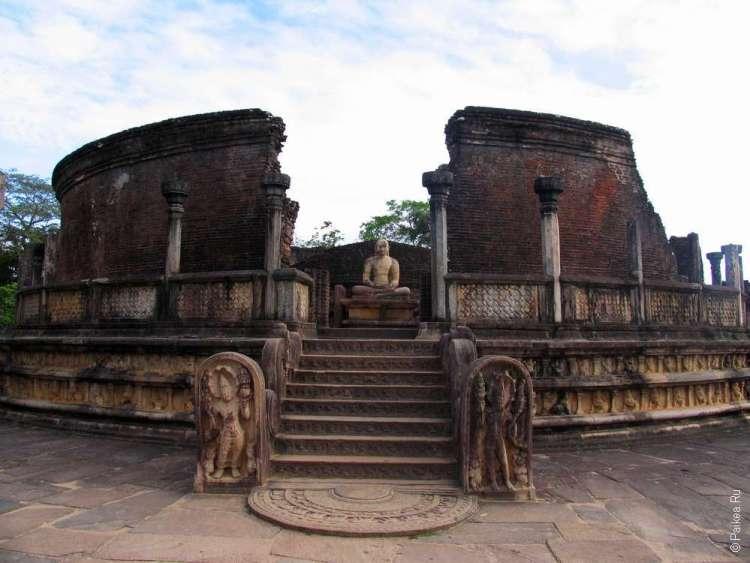 Дагоба Ват-Даге в Шри-Ланке