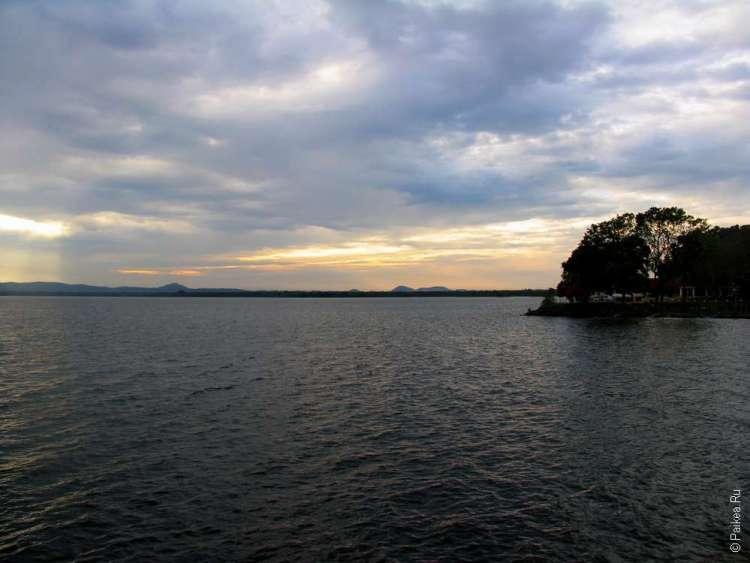 Полоннарува озеро