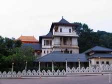 А еще в Канди исторические постройки