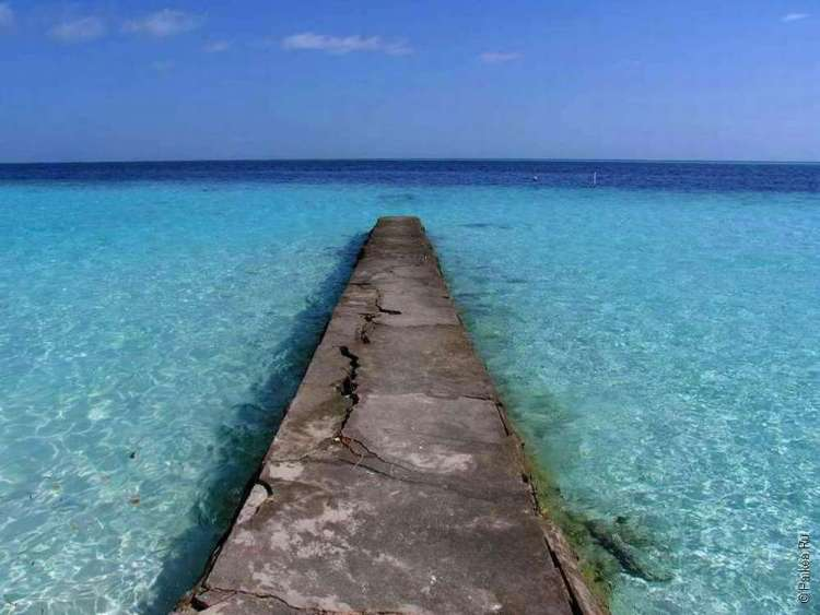 Пирс у Мальдивского острова