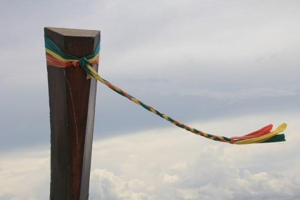 Ленточка на носу нашей лодки экскурсия 4 острова краби
