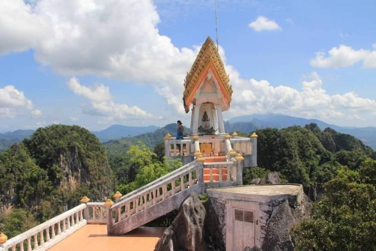краби храм на скале