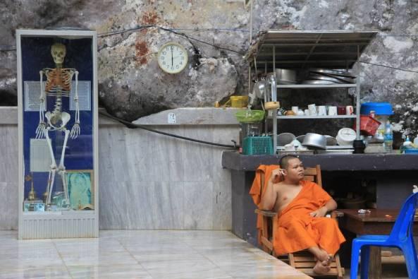 Монастырь и центр випассаны Там Суа Као Кео, Краби, Таиланд 12