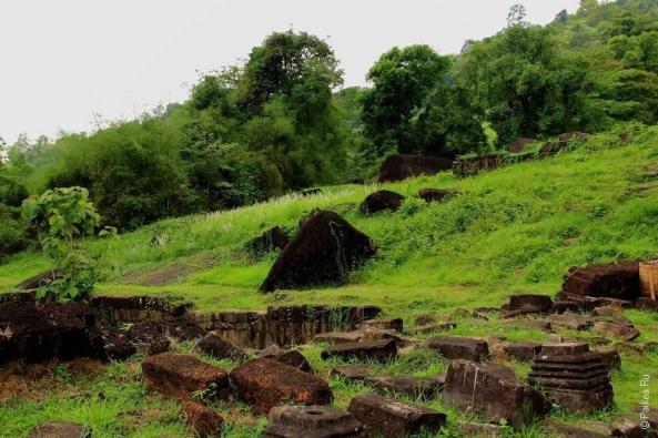 Храм на горе Ват Пху