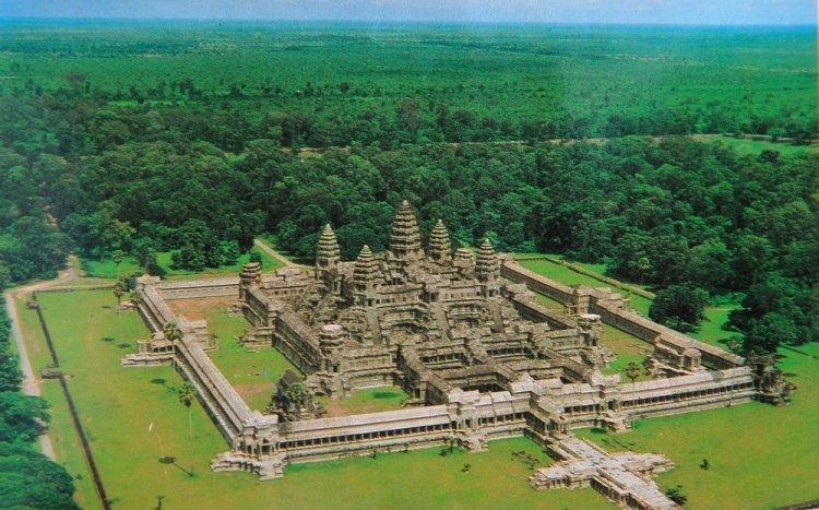 Вид на Ангкор Ват сверху