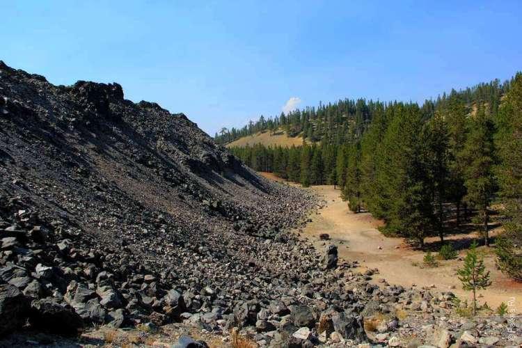 Гора обсидиана и лес