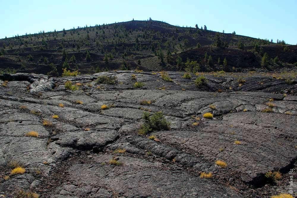 Kr. sa rozšíril letopočet Odvrátená strana Mesiaca je pokrytá krátermi a horskými pásmami.