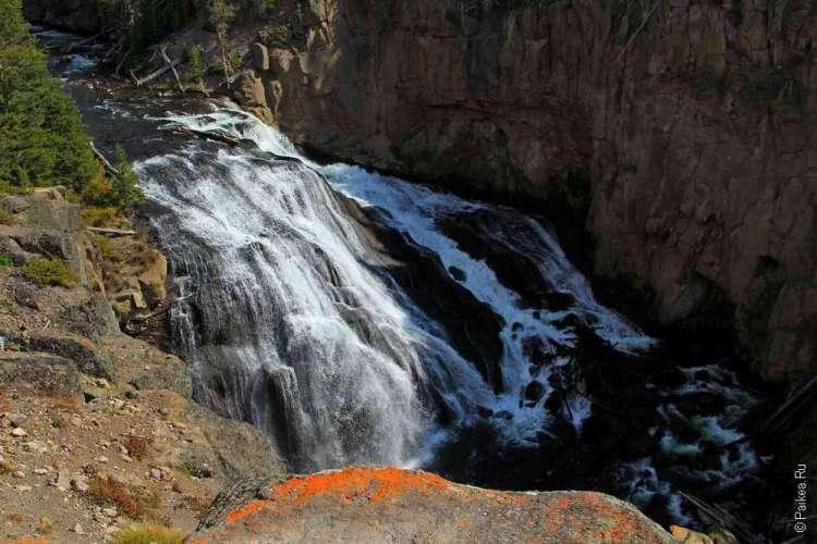 Водопад на реке Гиббон (Gibbon Falls)