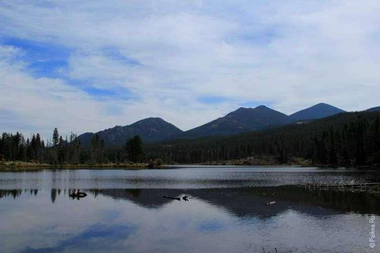 озеро спрейг и скалистые горы