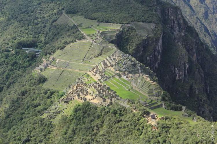 Вид на Мачу-Пикчу в Уайна-Пикчу