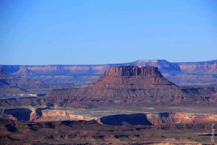 Вид с обзорной площадки Holeman Spring Canyon в Каньонлендс