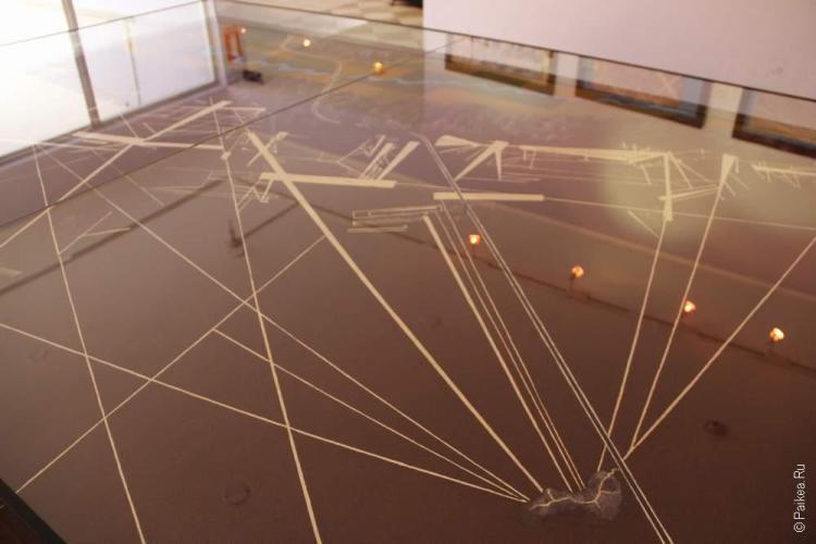 Главная ценность музея - можно посмотреть на плато с линиями в уменьшенном масштабе