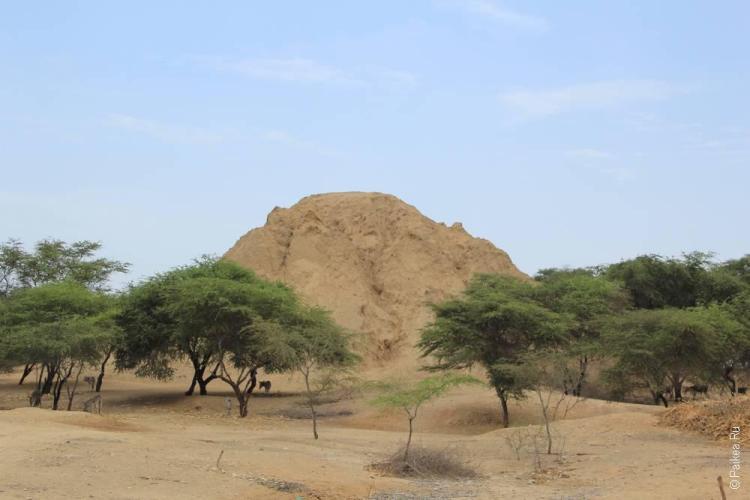 Пирамида в Ламбайеке