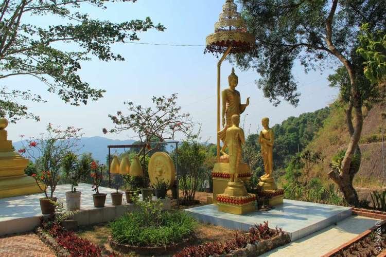 Храм племени лава в Бан Ла Уп