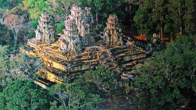Кхмерский храма пирамида