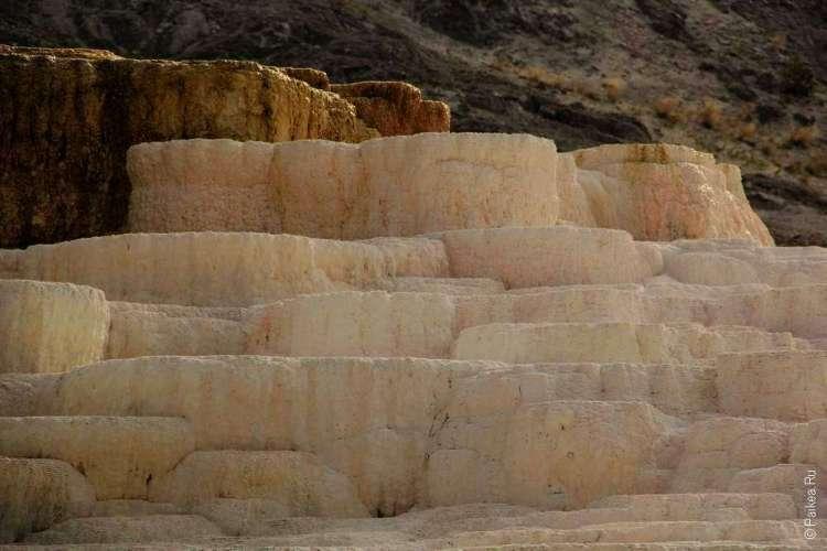 Геотермальные источники Мамонт Йеллоустоун США 08