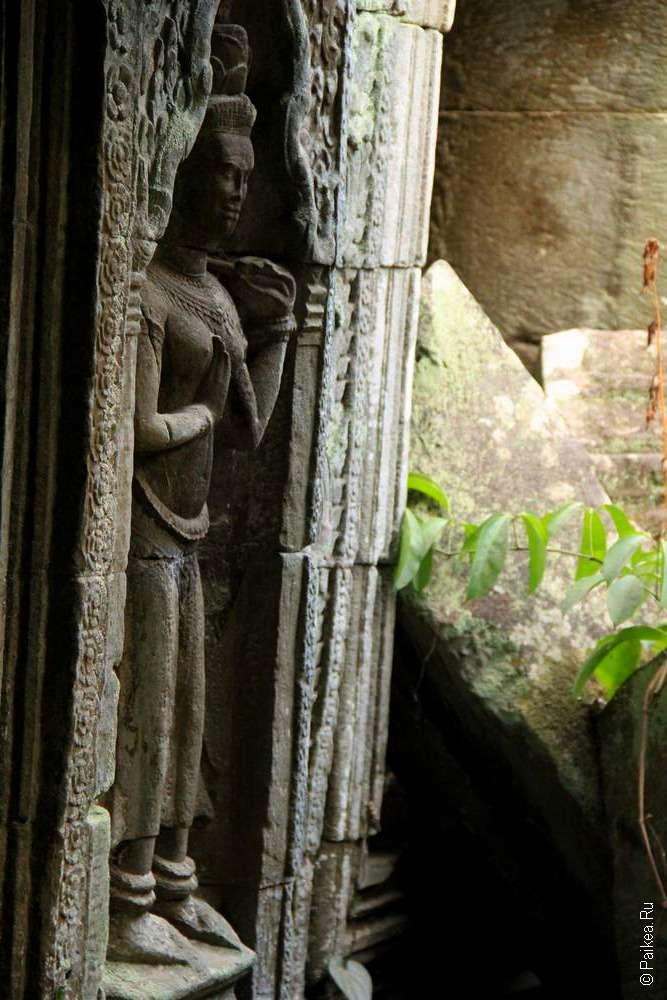 скульптура в храме-монастыре