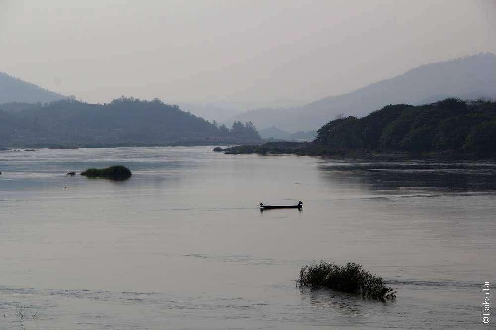 Лодка на реке Меконг