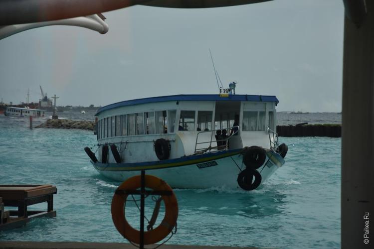мальдивы лодка