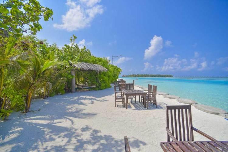 мальдивы отель на бикини пляже