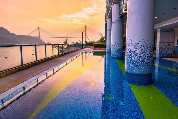 Недорогой отель в Гонконге с бассейном