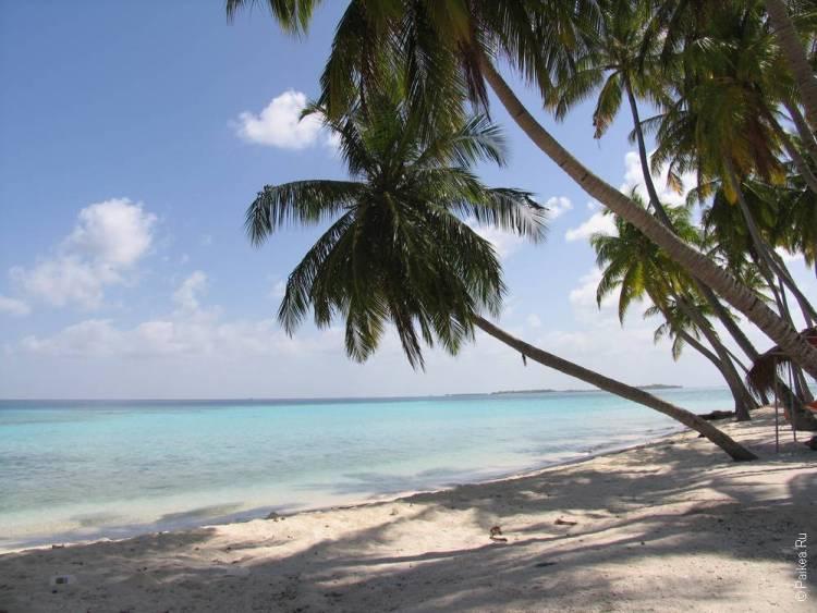 бикини пляж на Мальдивах