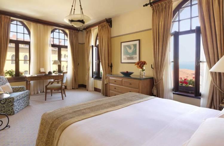 Отели Стамбула Four Seasons