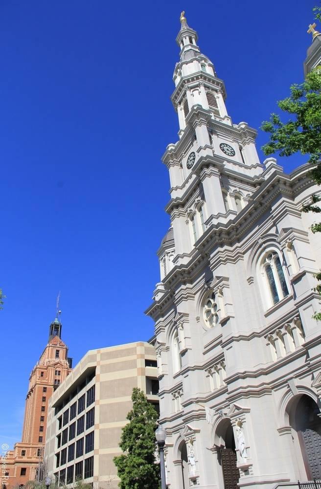 Сакраменто Калифорния - Собор Святого Причастия