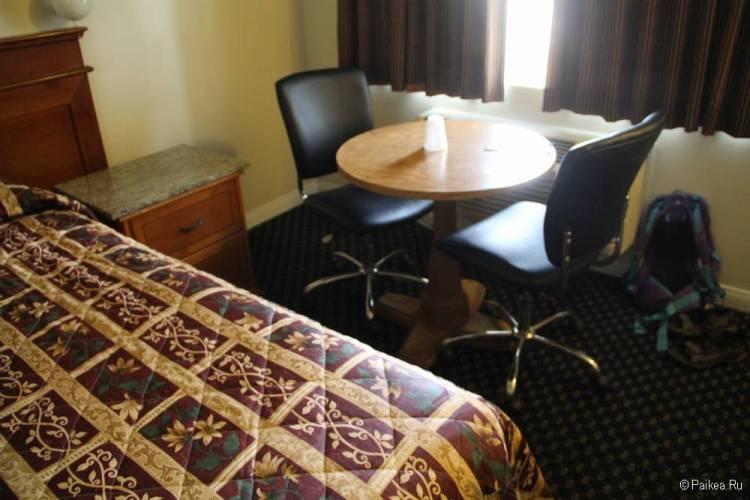 Хороший отель в Голливуде с бесплатной парковкой - Hollywood La Brea Inn, Лос-Анджелес 12