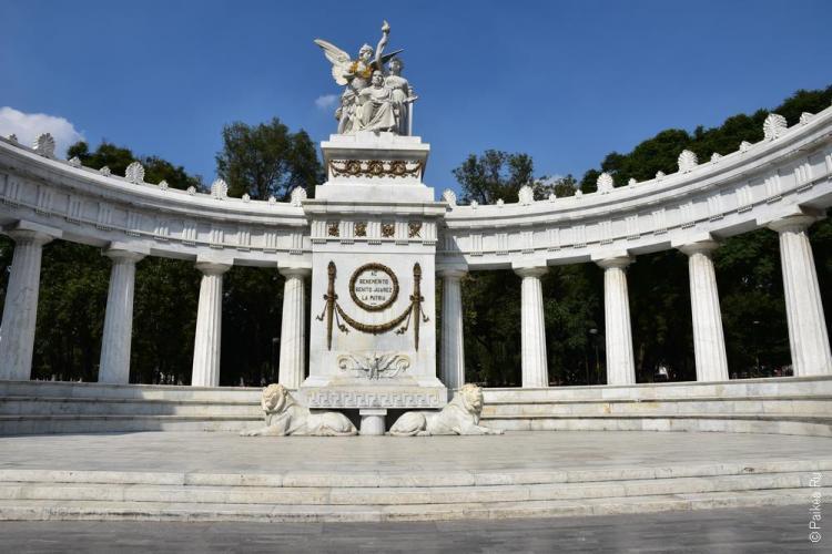 мехико памятник бенито хуаресу