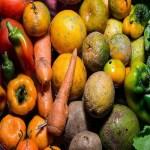 Supermercados desperdiçaram R$ 3,9 bi em alimentos em 2017, diz associação