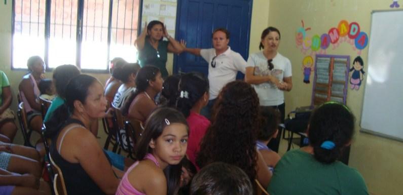 Falta de gestão em Candeias do Jamari deixa alunos sem aula há duas semanas