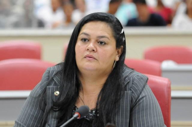 """TRE-RO recebe denúncia contra deputada """"Ana da 8"""" e """"Beto Baba"""", preso acusado de tráfico e estelionato"""