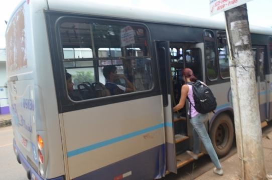 Precariedade dos ônibus pra o Campus Unir