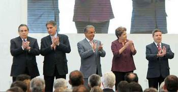 Dilma diz que não está de 'salto alto' na disputa eleitoral