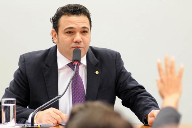 """""""Procurem o Ministério do Trabalho"""", diz Feliciano sobre artistas"""