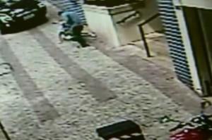 Idosa de 91 anos é agredida na rua por filho drogado