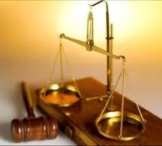 Juíz tranca fórum com cadeado para impedir entrada de promotor