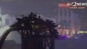 Passageiros são resgatados de montanha-russa após mais de 2 horas