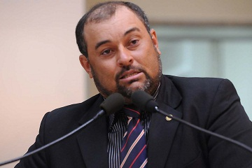 Ministério Público denuncia deputado Tucura por desacato a policial militar
