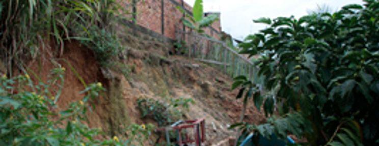 Prefeitura interdita parte de conjunto habitacional no São Sebastião
