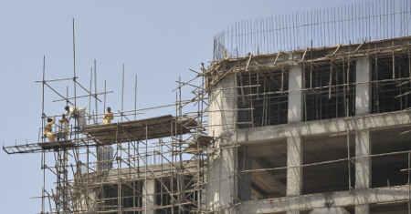 Construtora deve pagar aluguel por atraso na entrega