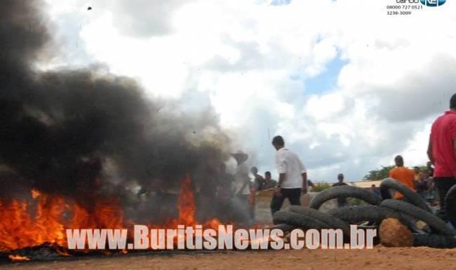 Conflito em Rio Pardo: Repórter filma confronto com policiais