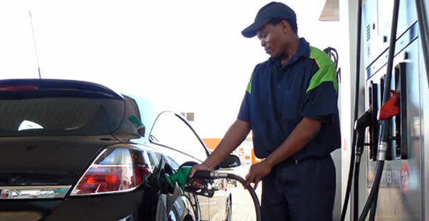 Carro à gasolina pode ter problemas com aumento do etanol no combustível