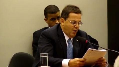 CCJ aprova relatório que pede a cassação de Donadon