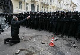 Rússia pede à Europa que não interfira na Ucrânia; teme aumento da crise